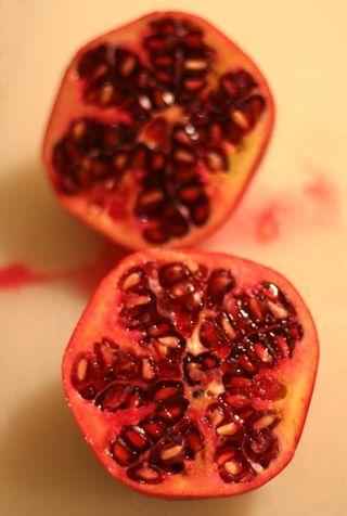 Pomegranate2-web