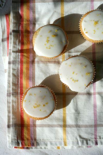 Lemon-cupcakes3-web