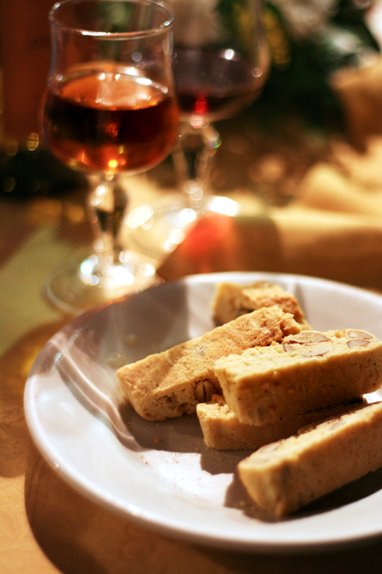 cantuccini and vin santo